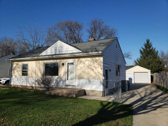 Tremendous 4856 N 63Rd St Milwaukee Wi 53218 Zillow Beutiful Home Inspiration Cosmmahrainfo