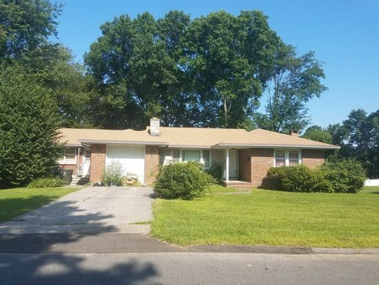 57 Macarthur Rd, Trumbull, CT 06611 | Zillow on