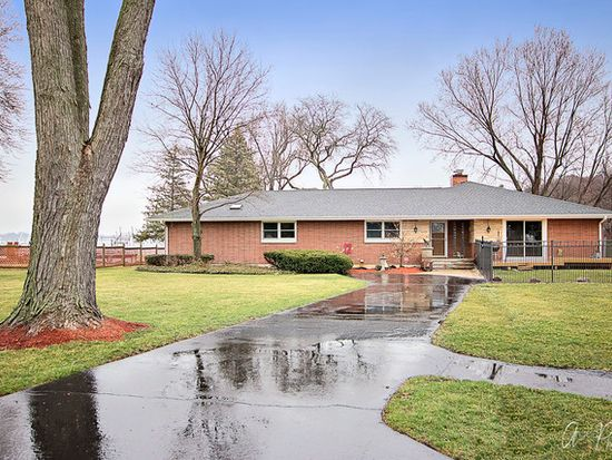 905 River Terrace Dr Johnsburg Il 60051 Zillow