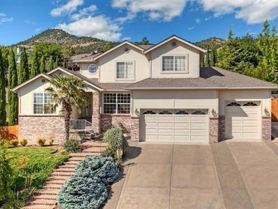 4637 Torrey Pines Dr Medford Or 97504 Zillow