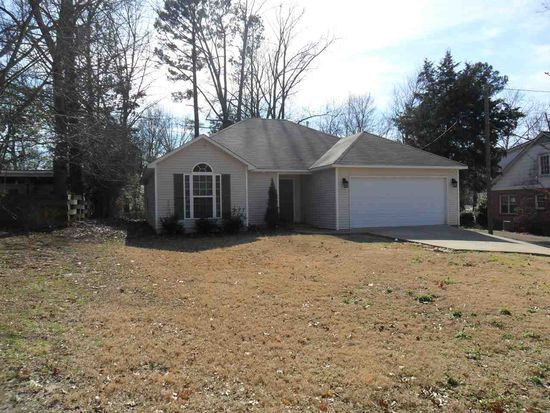 928 w forest ave jackson tn 38301 zillow for Bath remodel jackson tn