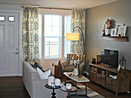 oakcliff apartments at traverwood ann arbor mi zillow. Black Bedroom Furniture Sets. Home Design Ideas