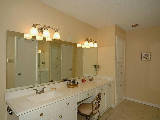 Fairway Cir Pearland TX Zillow - Bathroom remodeling pearland tx