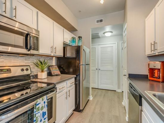 Laurel Canyon Apartments