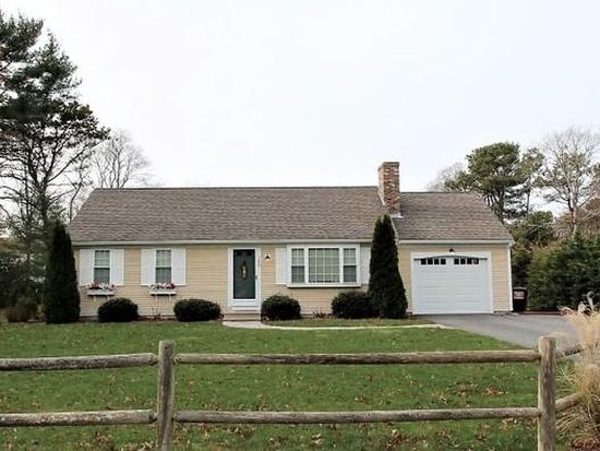 383 old strawberry hill rd hyannis ma 02601 zillow rh zillow com