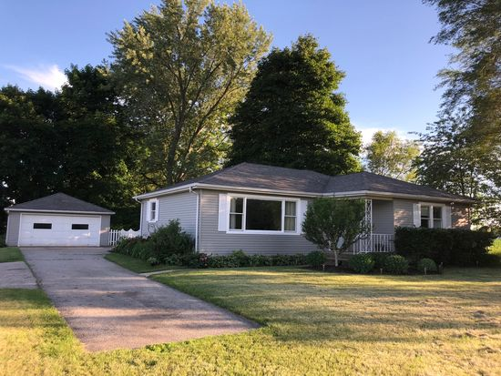 1611 Bay Rd Johnsburg Il 60051 Zillow