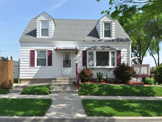 6206 W Hayes Ave, West Allis, WI 53219 | Zillow