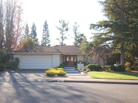 207 Oak Shadow Dr Santa Rosa CA 95409
