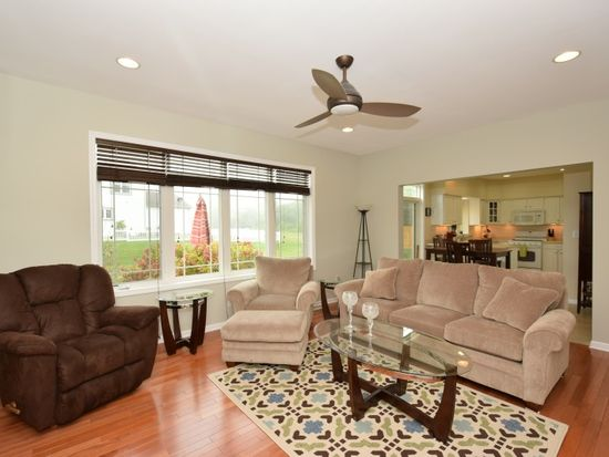 1131 Dundee Dr, Racine, WI 53402 | Zillow