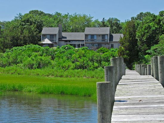 60 Westmoreland Dr Shelter Island Heights Ny 11965 Zillow