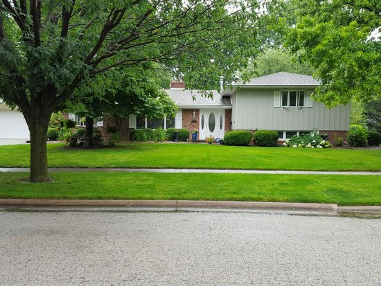 2208 E Olive St, Bloomington, IL 61701 - Zillow