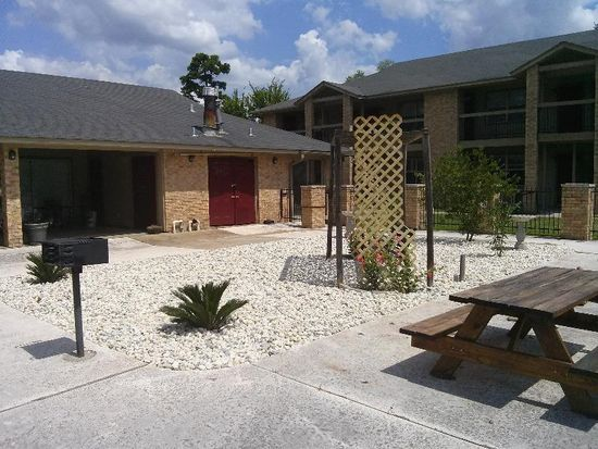 Texas · Lufkin · 75901; Now Accepting Section 8 Hud   Royal Oaks Apartments