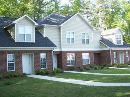 Taylors pond townhomes durham nc zillow for 2 bedroom townhouse in durham nc