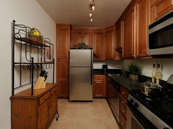 Highland House Apartments - Chevy Chase, MD | Zillow