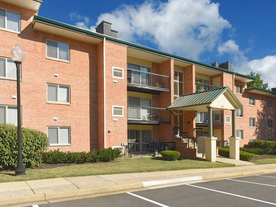 APT Two Bedroom One Bath 48 North Ripley Apartments In Inspiration 2 Bedroom Apartments In Alexandria Va