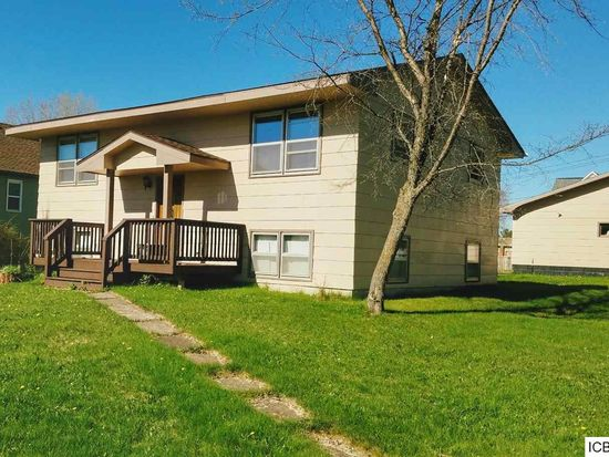 211 Morrison Ave, Coleraine, MN 55722 | Zillow on