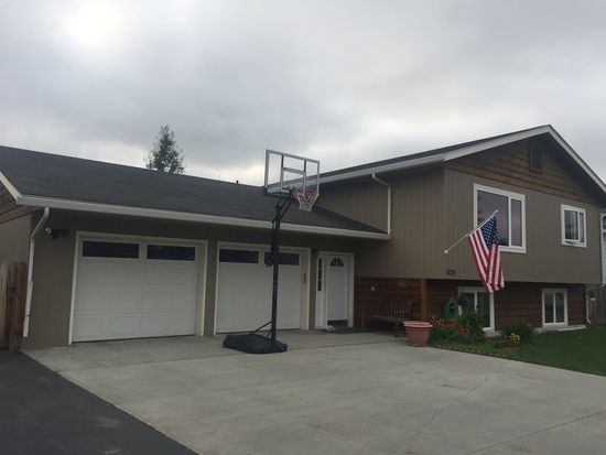 1123 Shannon Dr, Fairbanks, AK 99701 | Zillow