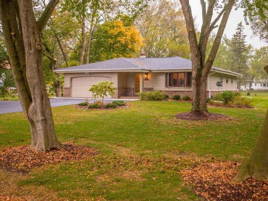 4814 W Willow Rd, Mequon, WI 53092 | Zillow