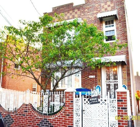 2218 49th st long island city ny 11105 zillow for Zillow long island city
