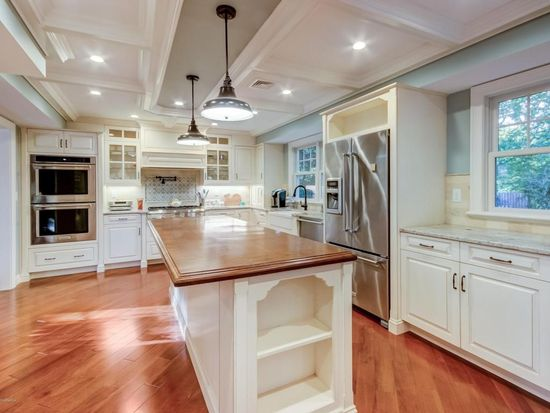 35 Tulip Ln, Red Bank, NJ 07701 | Zillow