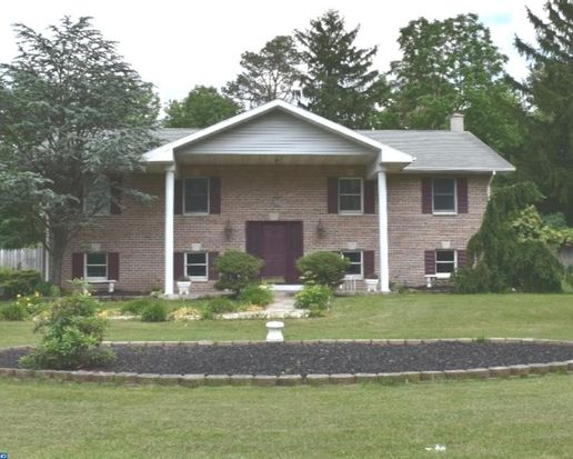 14 Reedsville Rd Schuylkill Haven PA 17972