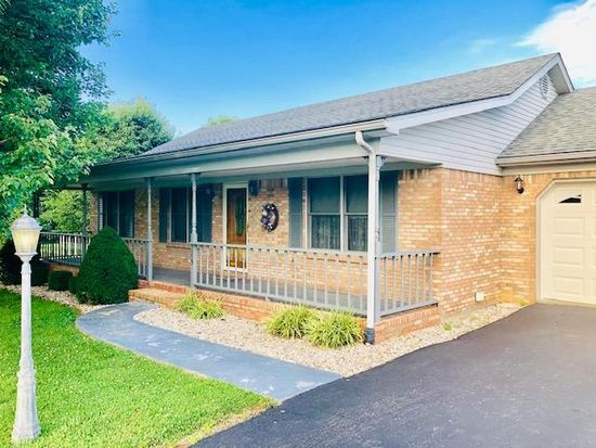 285 Womack St Russell Springs Ky 42642 Zillow