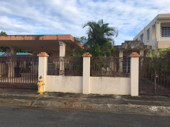8-19 Calle 13, Carolina, PR 00983 | Zillow