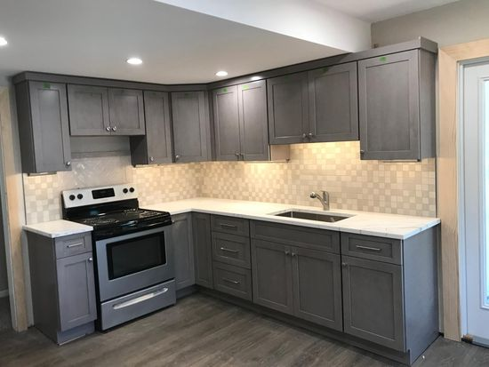 Fantastic 142 S Broad St Lansdale Pa 19446 Zillow Interior Design Ideas Apansoteloinfo