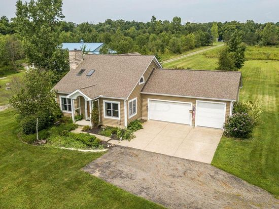 Remarkable 6300 Blacks Rd Sw Pataskala Oh 43062 Zillow Home Interior And Landscaping Pimpapssignezvosmurscom