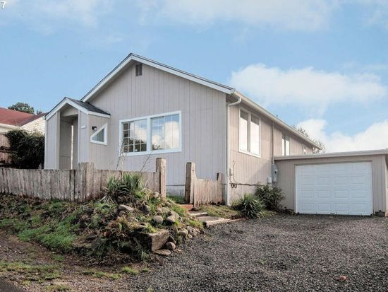 1436 Ne 13th St Lincoln City Or 97367 Zillow