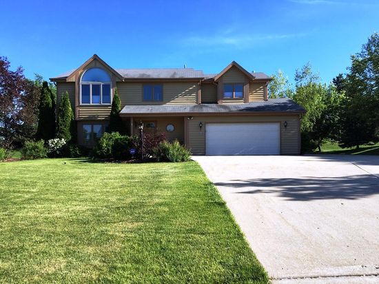 13785 W Maria Dr, New Berlin, WI 53151 | Zillow