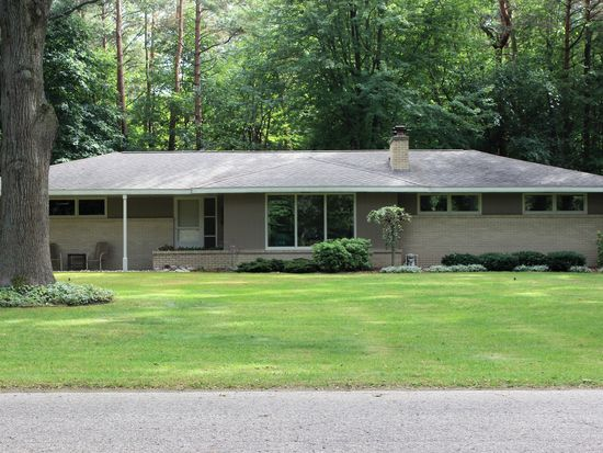 716 Wisteria Dr Holland Mi 49424 Zillow