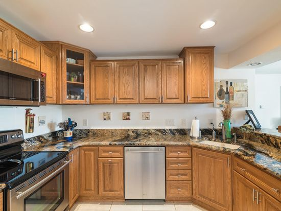 9374 W Loomis Rd UNIT 3, Franklin, WI 53132 | Zillow
