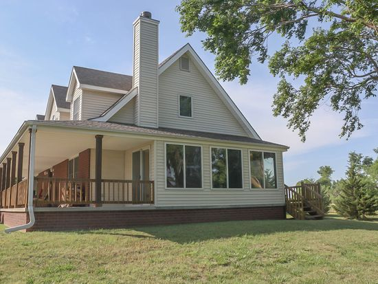 329 lake rd pratt ks 67124 zillow