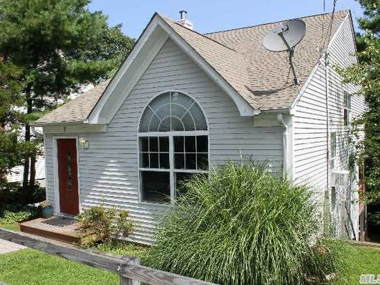 7 Greenlawn Rd, Sound Beach, NY 11789 | Zillow