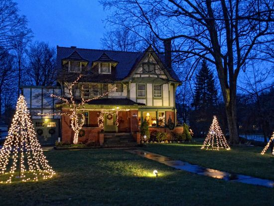 2976 Lincoln Blvd, Cleveland Heights, OH 44118 | Zillow
