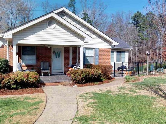 1104 sweetbriar ave nw cleveland tn 37311 zillow
