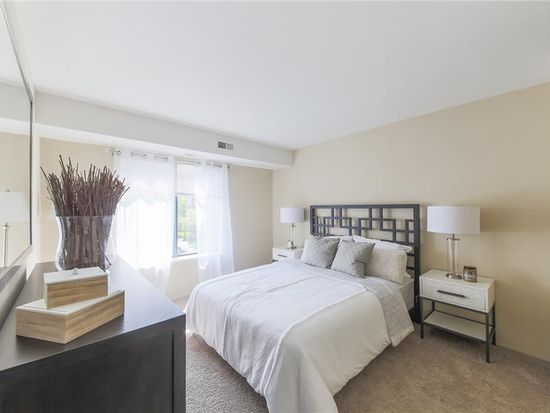 3020 Signature Blvd APT G, Ann Arbor, MI 48103 | Zillow