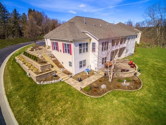 602 Sable Oaks Ln Rochester Ny 14625 Zillow