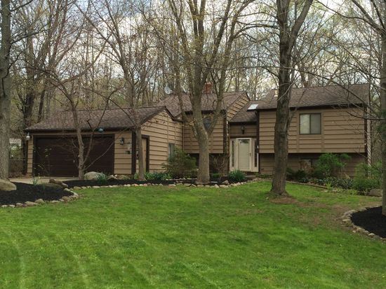 5905 Stephanie Ln Solon Oh 44139 Zillow