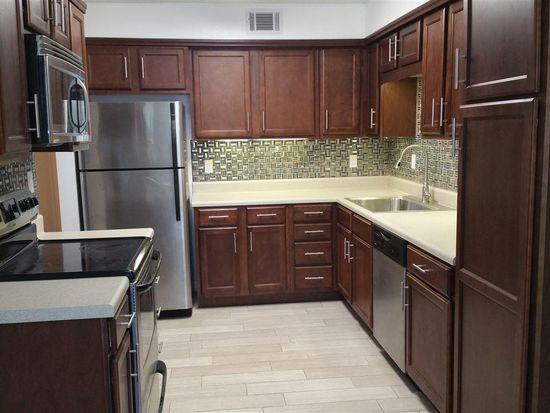 7225 W Fairfield Dr APT A2, Pensacola, FL 32506 | Zillow Florida Traditional Bathroom Design E A on