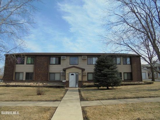 817 Cheshire Ct Freeport Il 61032 Apartments For Rent Zillow