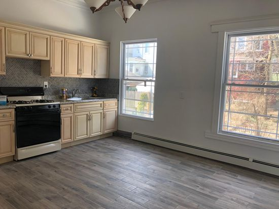 190 Daniel Low Ter, Staten Island, NY 10301 | Zillow