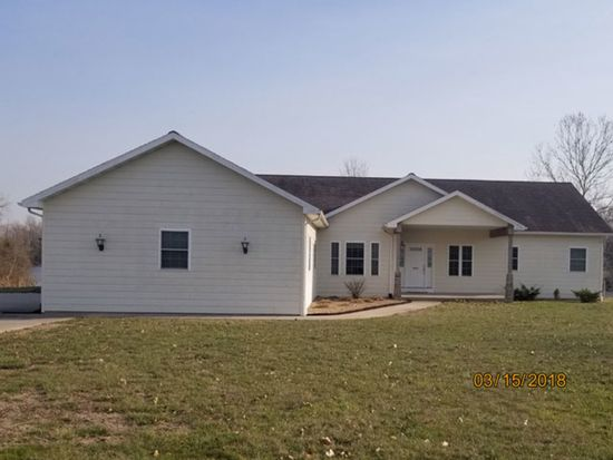4892 cedar point ln pinckneyville il 62274 zillow