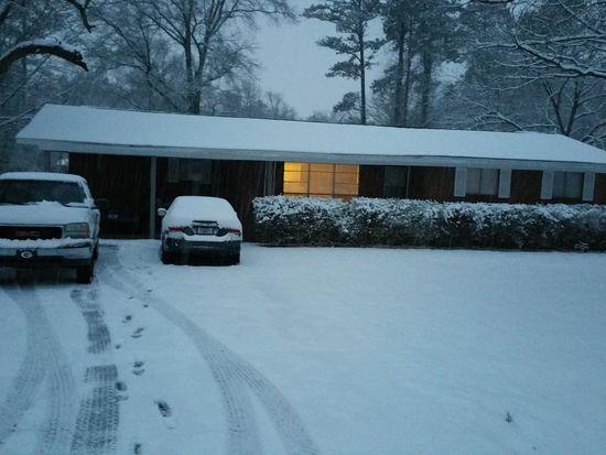 111 Deer Park Ln Calhoun GA 30701