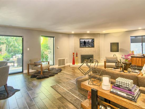 8786 Lookout Mountain Ave Los Angeles Ca 90046 Zillow