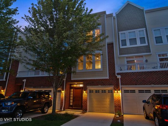 526 Grove Ln, Forest Park, IL 60130 | Zillow on