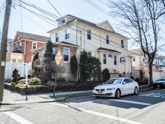 Z Two Staten Island Street View