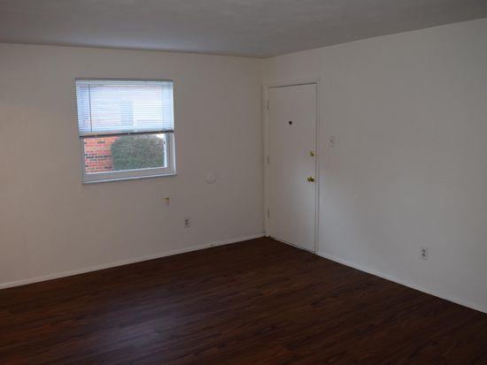 6756 Highland House Ct APT B, Saint Louis, MO 63123 | Zillow