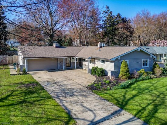 30209 Crestview Dr Bay Village Oh 44140 Zillow